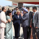 The Prime Minister, Dr. Manmohan Singh being welcomed on his arrival at Andrews Air Force Base, Maryland, in Washington, on April 26, 2013.