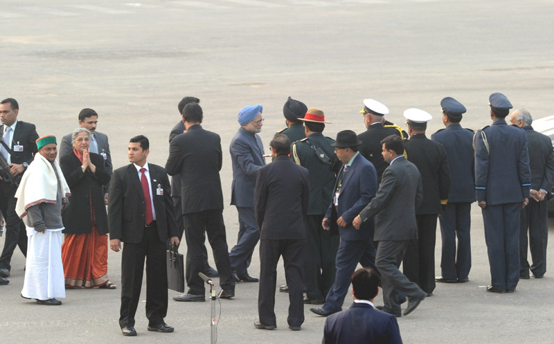 The Prime Minister, Dr. Manmohan Singh and his wife Smt. Gursharan Kaur arrive at the Beating the Retreat Ceremony, in New Delhi on January 29, 2014.  	The Defence Minister, Shri A. K. Antony is also seen.